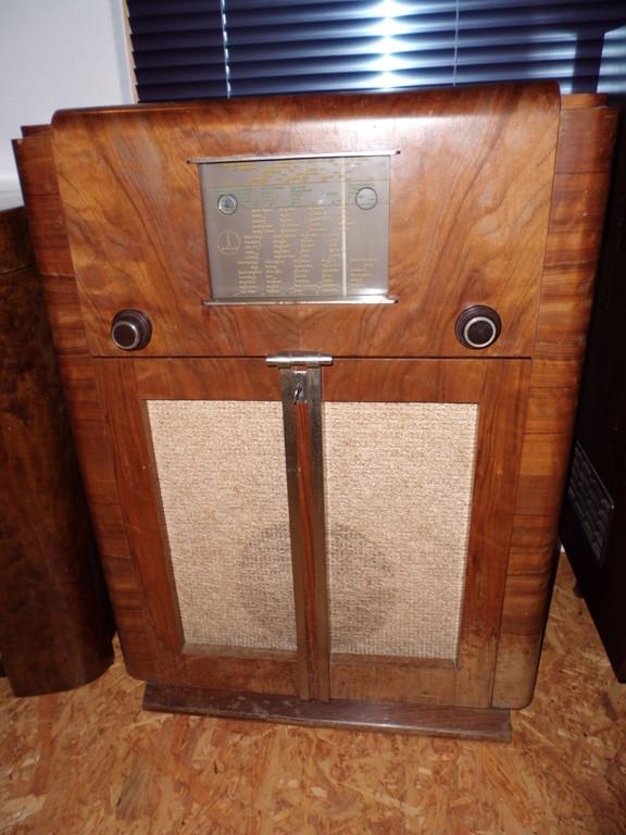 PHILLARD  RADIO-PHONO  426  CHASSIS EU  USA   1942, geschlossen