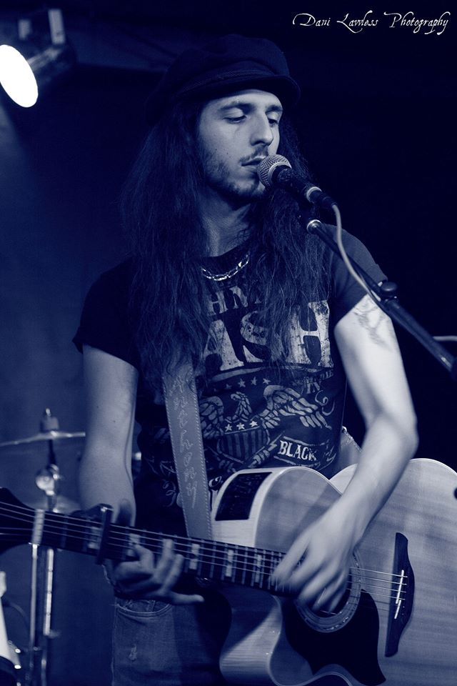 "Solo Acoustic opening for ""Ian Moore & The Lossy Coils"" - Bluesiana Rock Cafe, Velden Am Wörthersee (Austria)"