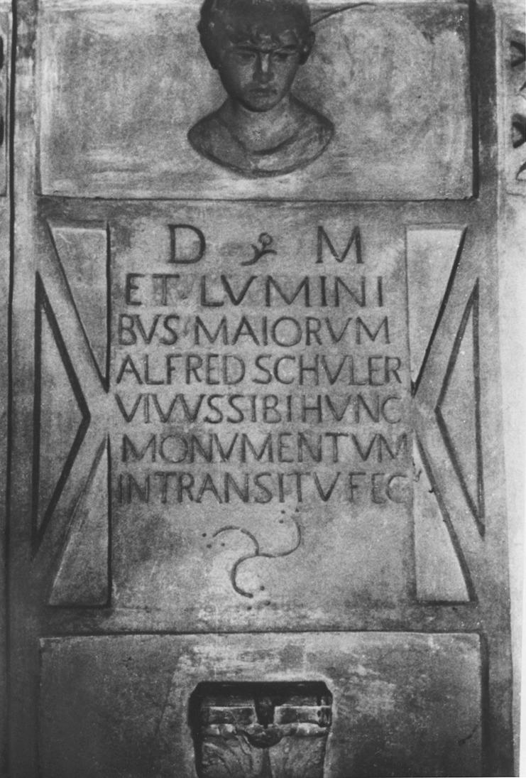 Schulers Grabplatte in München