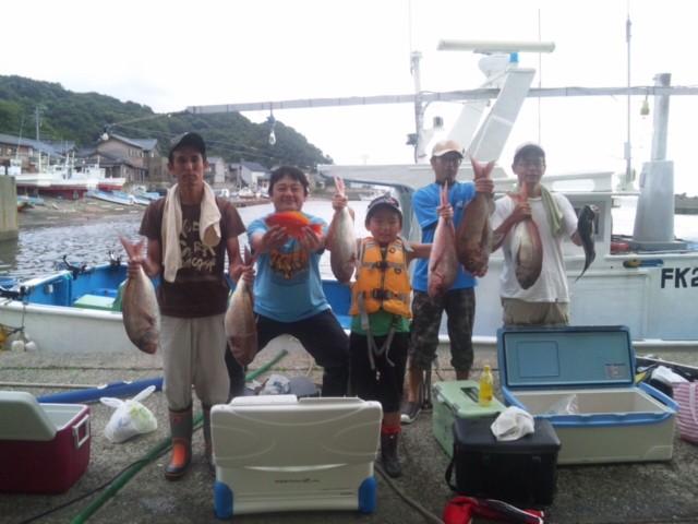 完全ふかせ釣り玄達瀬遊漁 真鯛60センチまで9枚,メバル1枚,キンギョ1枚,玄達ウマヅラいっぱい2013.7月14日