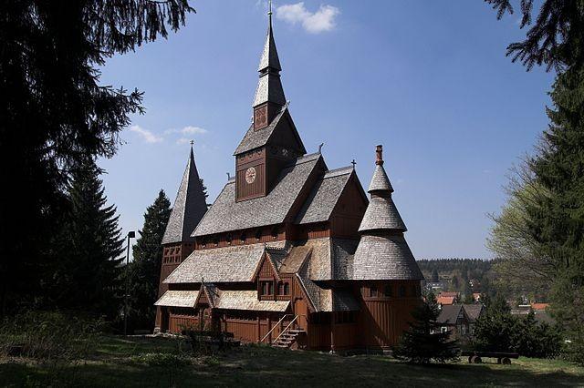 """""""Hahnenklee Stabkirche Sued."""" Fotograf: Kassandro, Quelle: de.wikipedia.org"""