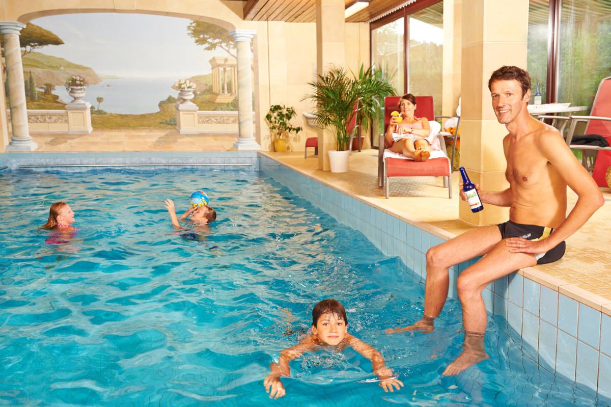 Schwimmbad sauna naturkost hotel harz for Hotel harz schwimmbad