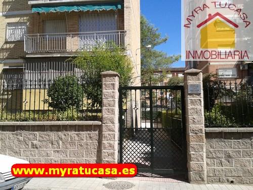 Bonito piso 4 habitaciones en Almanjáyar - Rey Badis - La Paz