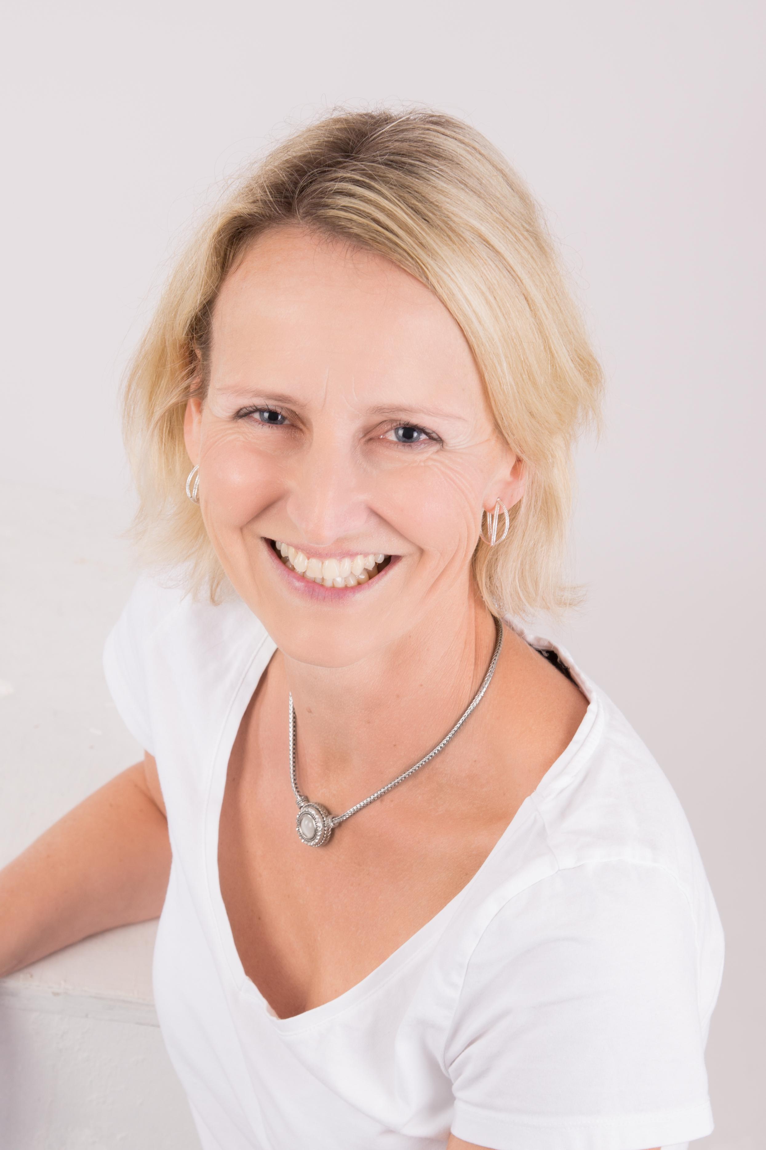 Portrait Ergotherapeutin Aline Kaeubler-Bellmann