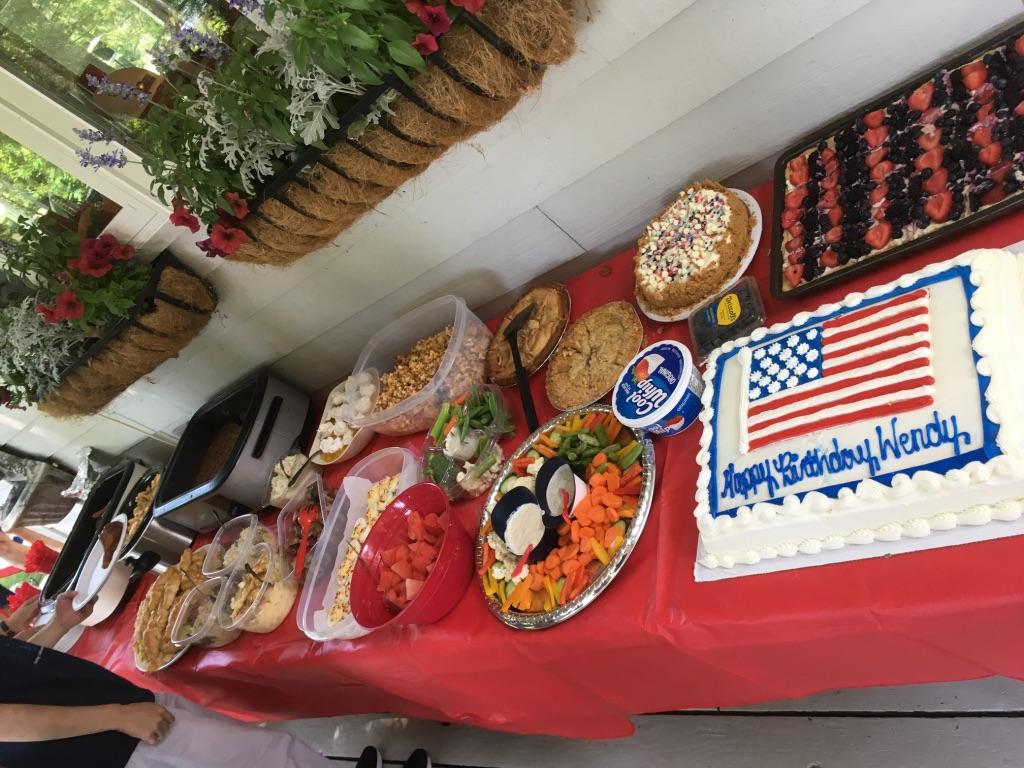 独立記念ボートパレードでの手料理(ミネソタ州)