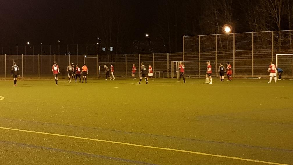 Nach dem 0:1 im Test gegen die SpVgg München Würm im Sportpark Nymphenburg wurde die Teilnahme der Foulis an der Friendly-Liga auf den Weg gebracht.