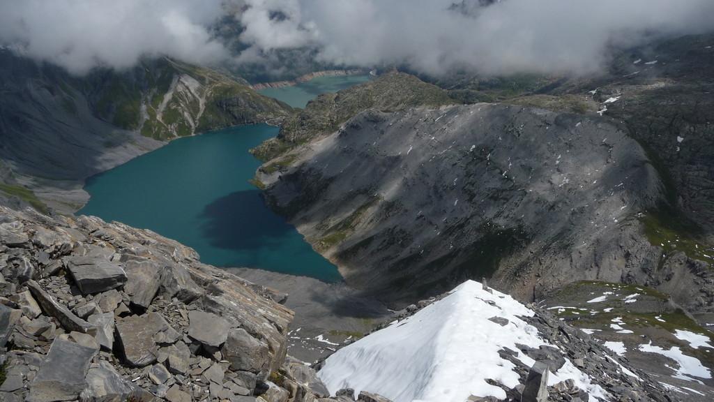 Blick vom Gipfel auf beide Seen....