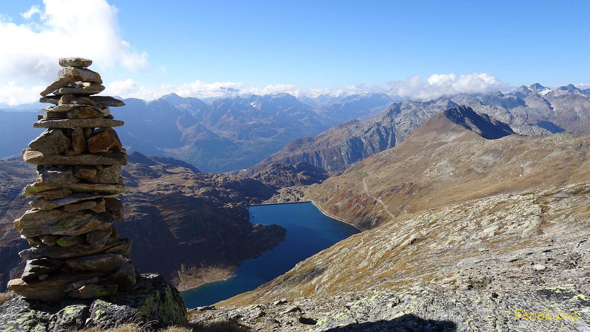 Blick hinunter zum Lago della Sella