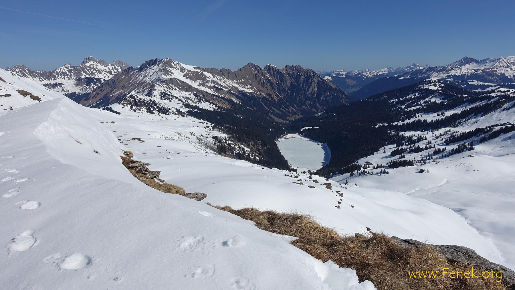 Gipfelsicht zum Arnensee