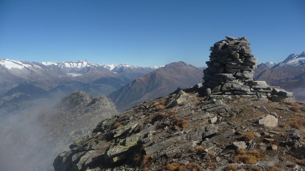 Blick ins Oberwallis und Aletschgletscher