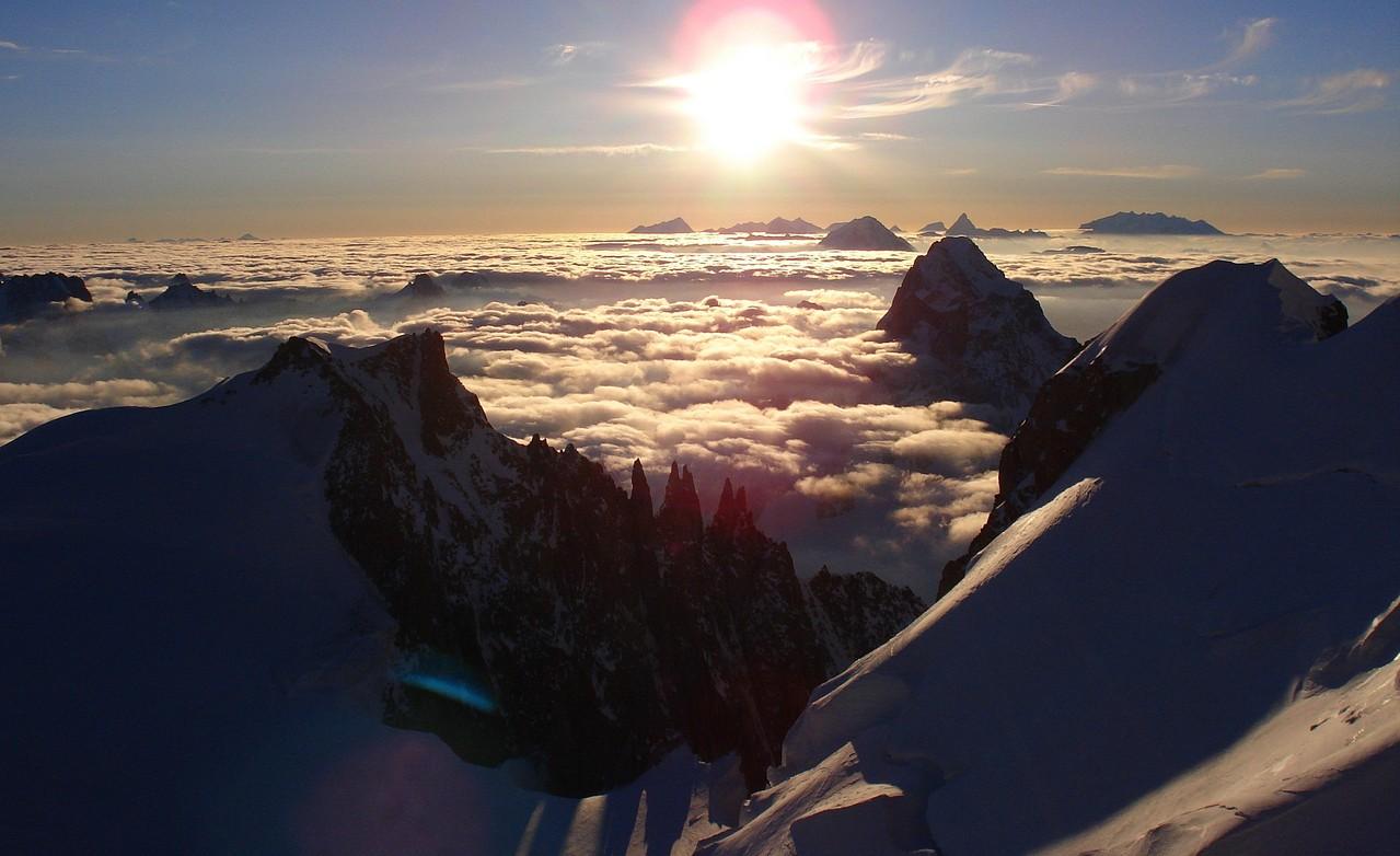 links MB Tacul - rechts Monte Rosa und Matterhorn