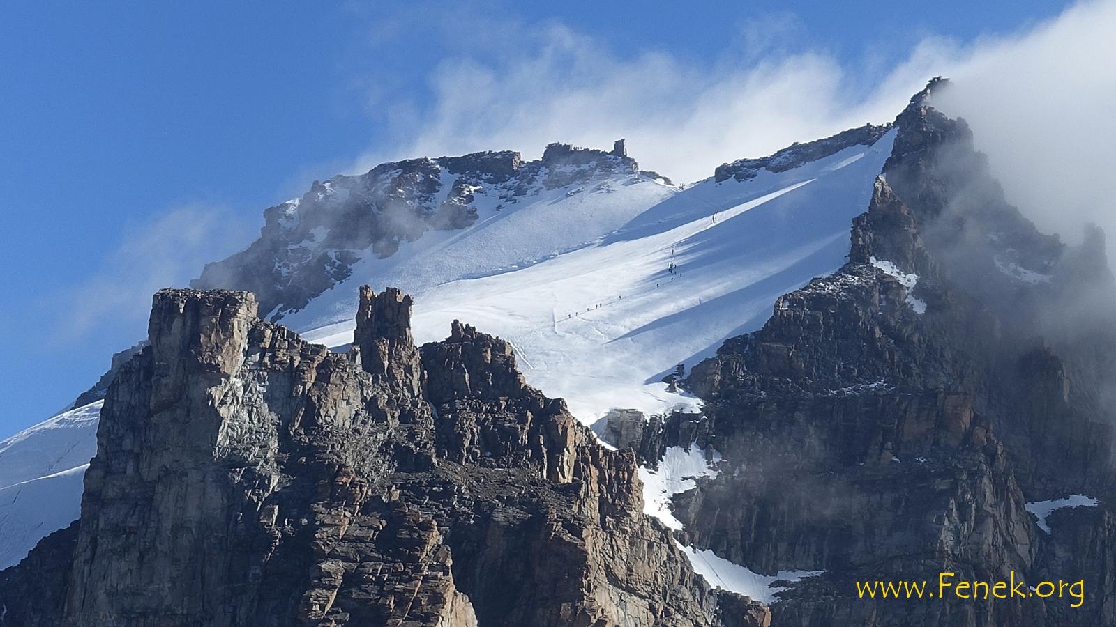 Gipfelregion mit Gedränge