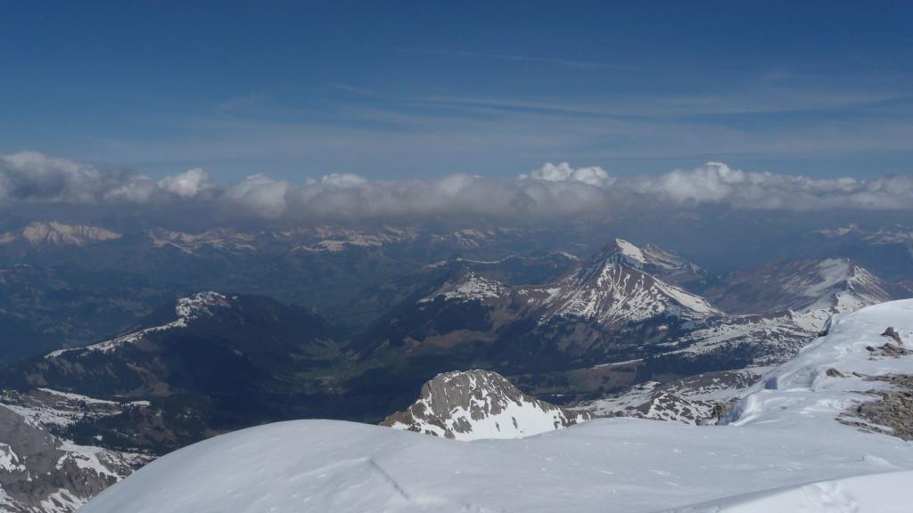 Blick nach Lauenen und Gstaad