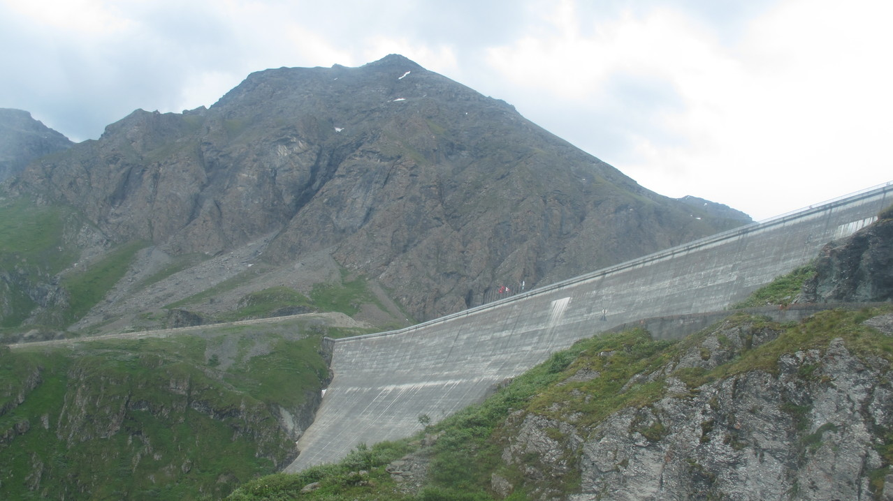 die grösste Staumauer Europas....