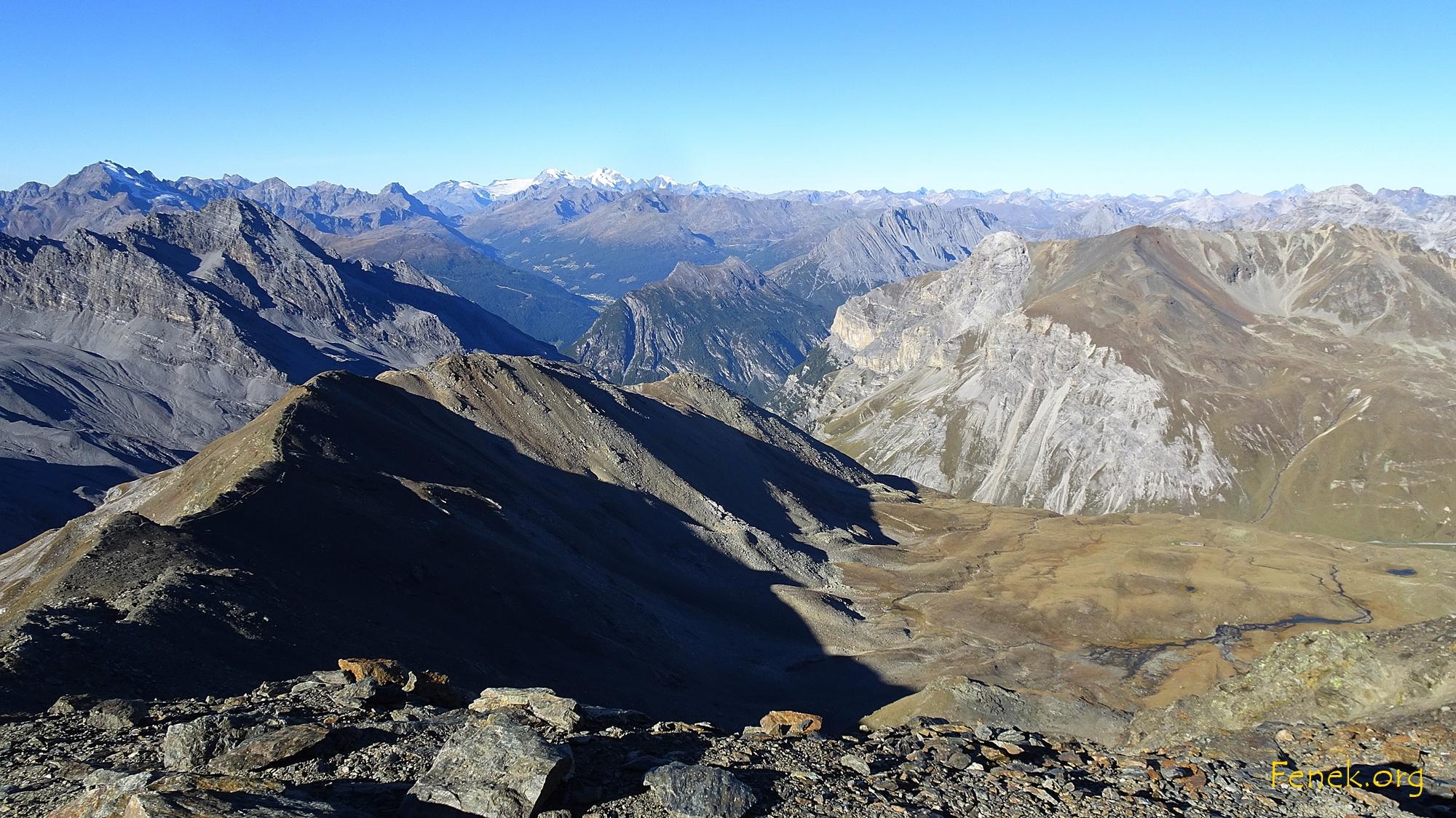 hinten ist Bernina und Piz Palü zu sehen