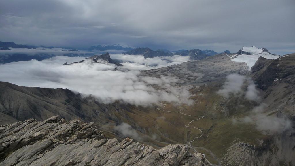 Blick ins Wallis - unten Sanetschpass