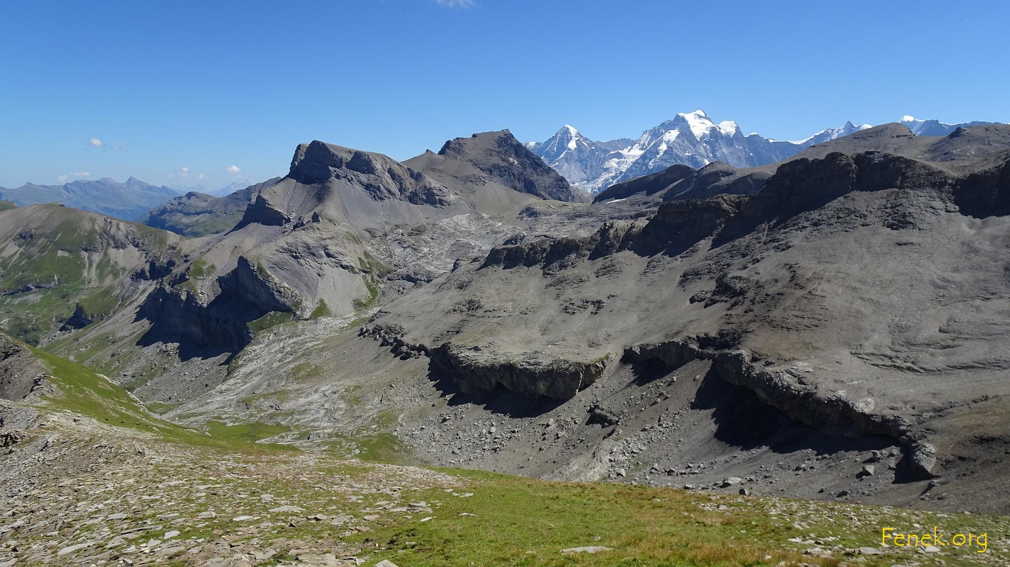 Schilthorn und Chilchhorn - hinten Mönch und Jungfrau