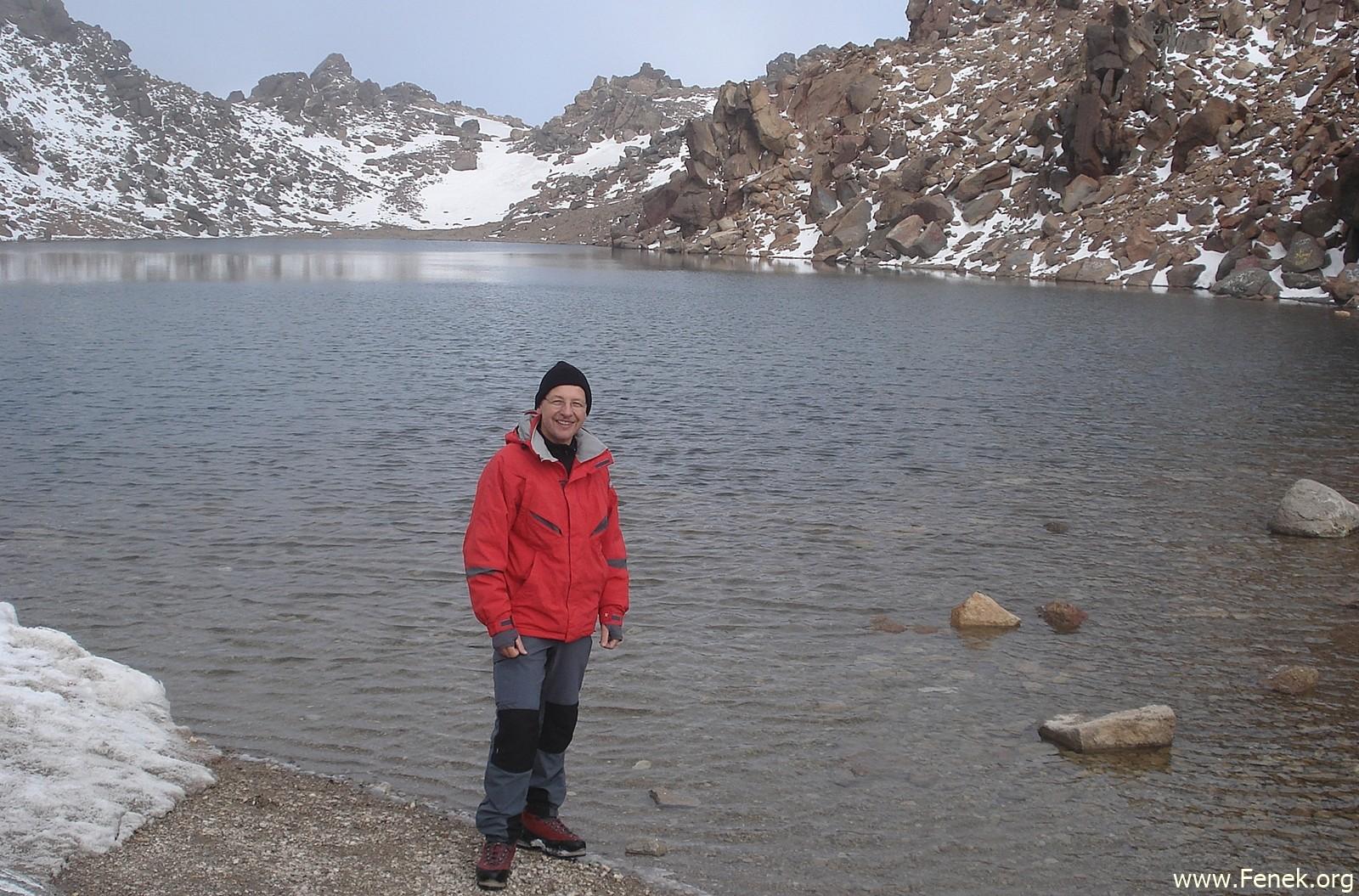 der Kratersee am Gipfel