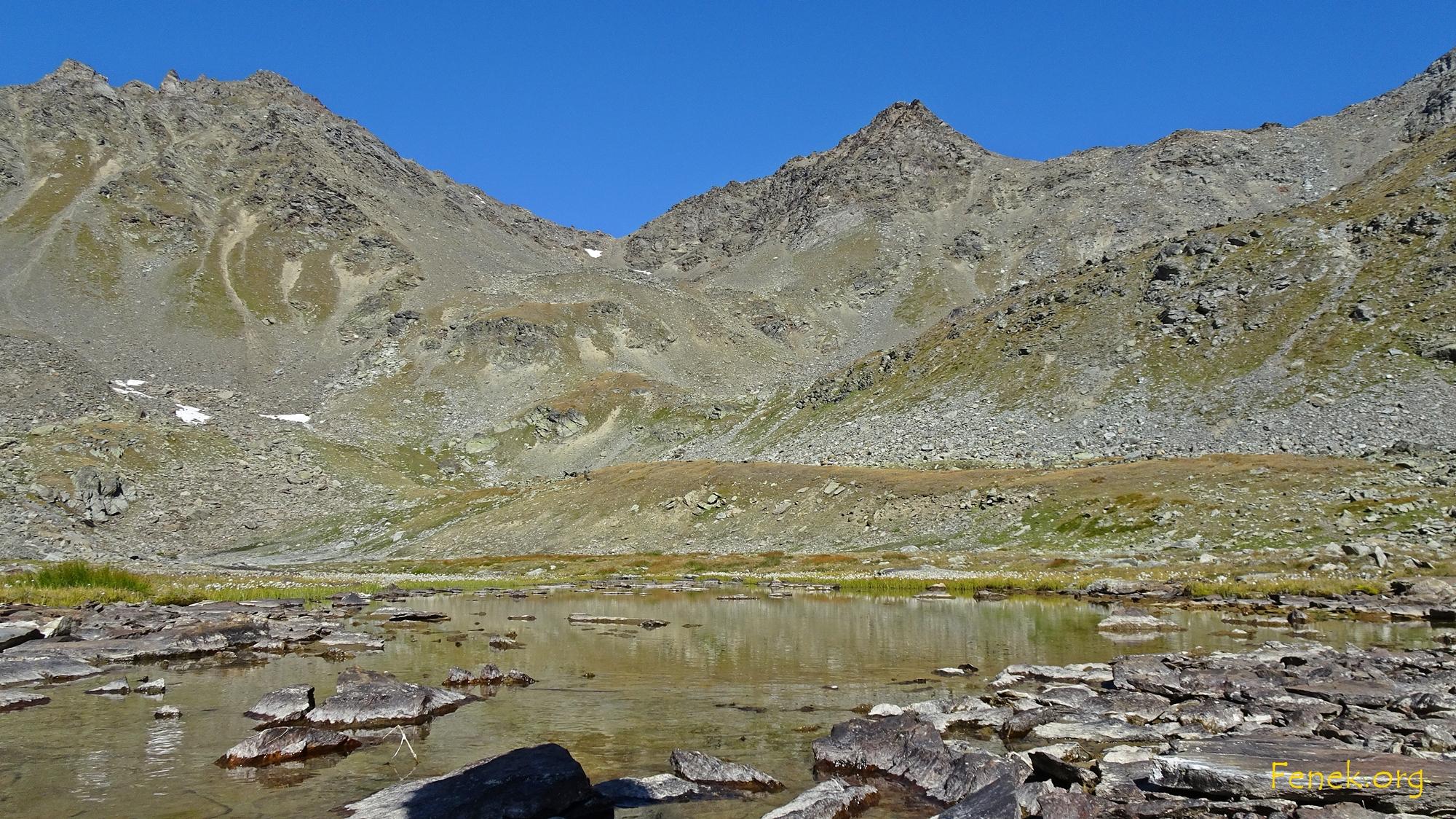 in der Bildmitte Furggwangjoch mit ganz kleinem Schneefeld - links davon das Furggwanghorn