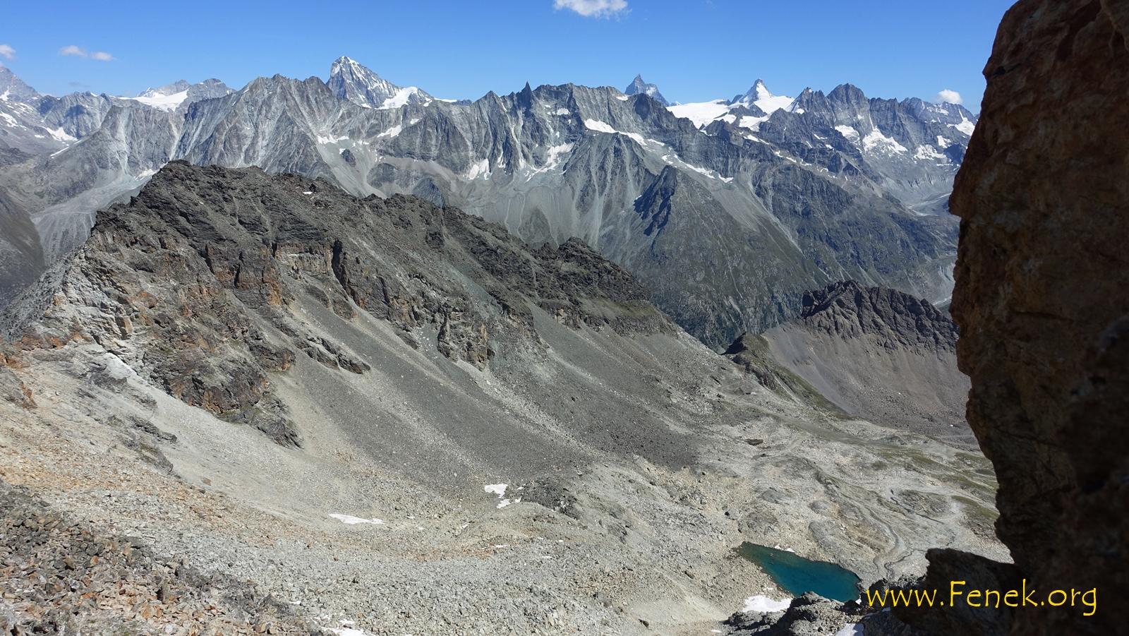 Tiefblick zum See bei 2'900m und La Roussette