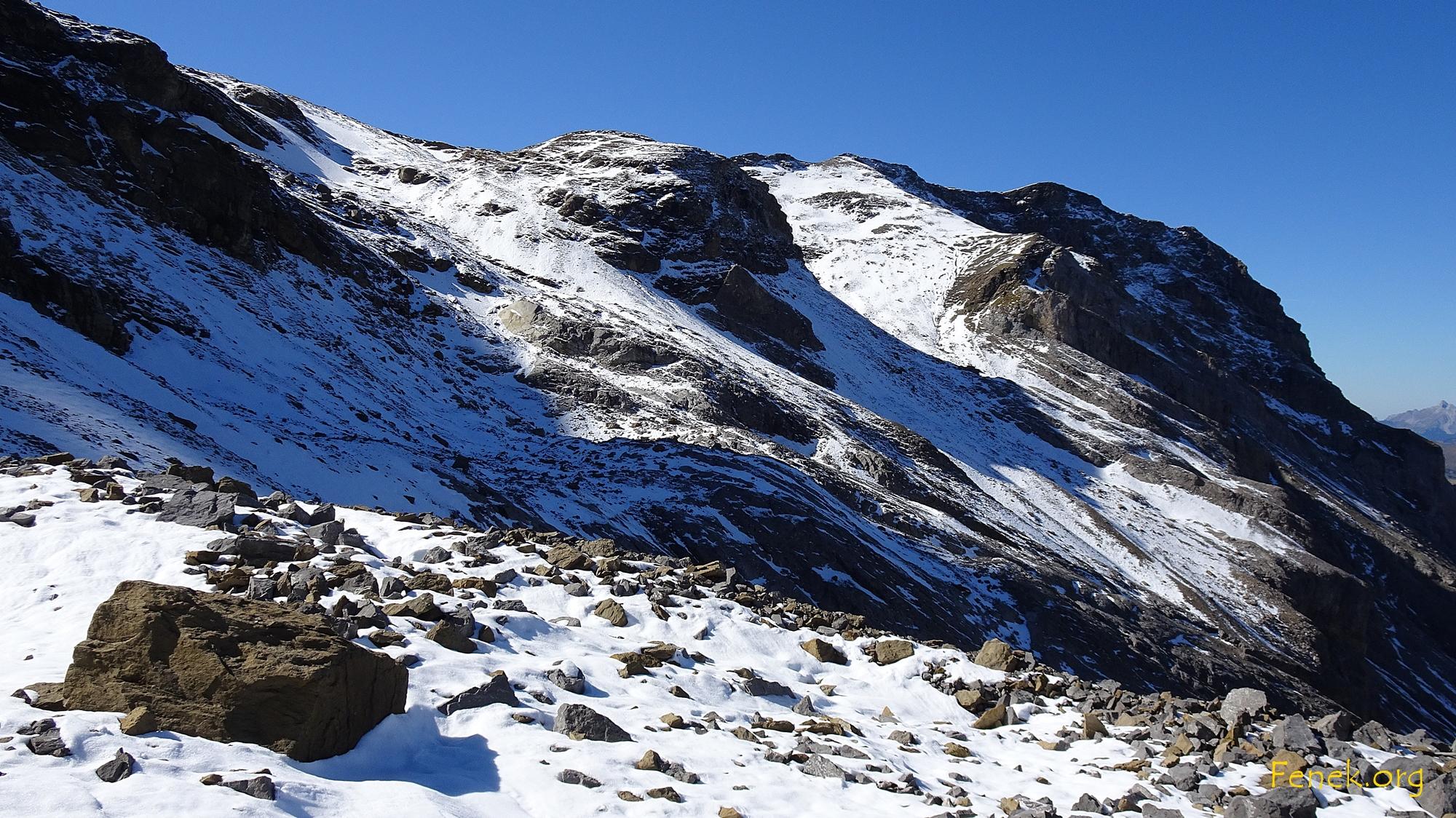 ganz rechts oben unser Gipfel - auf geht's!