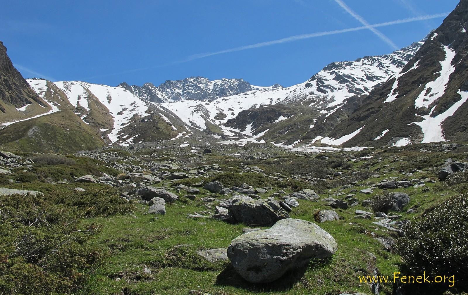 hier geht es hinauf.... danach nach rechts zum Gipfel