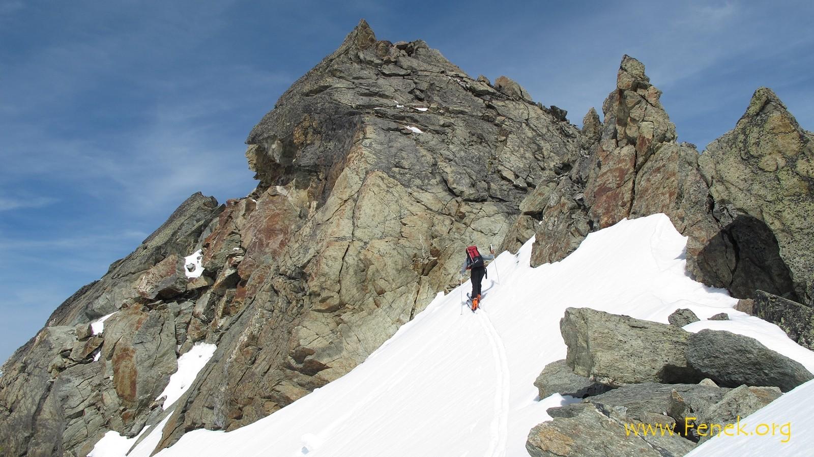 erster Gipfel des Tages..... Serre de Vuibé