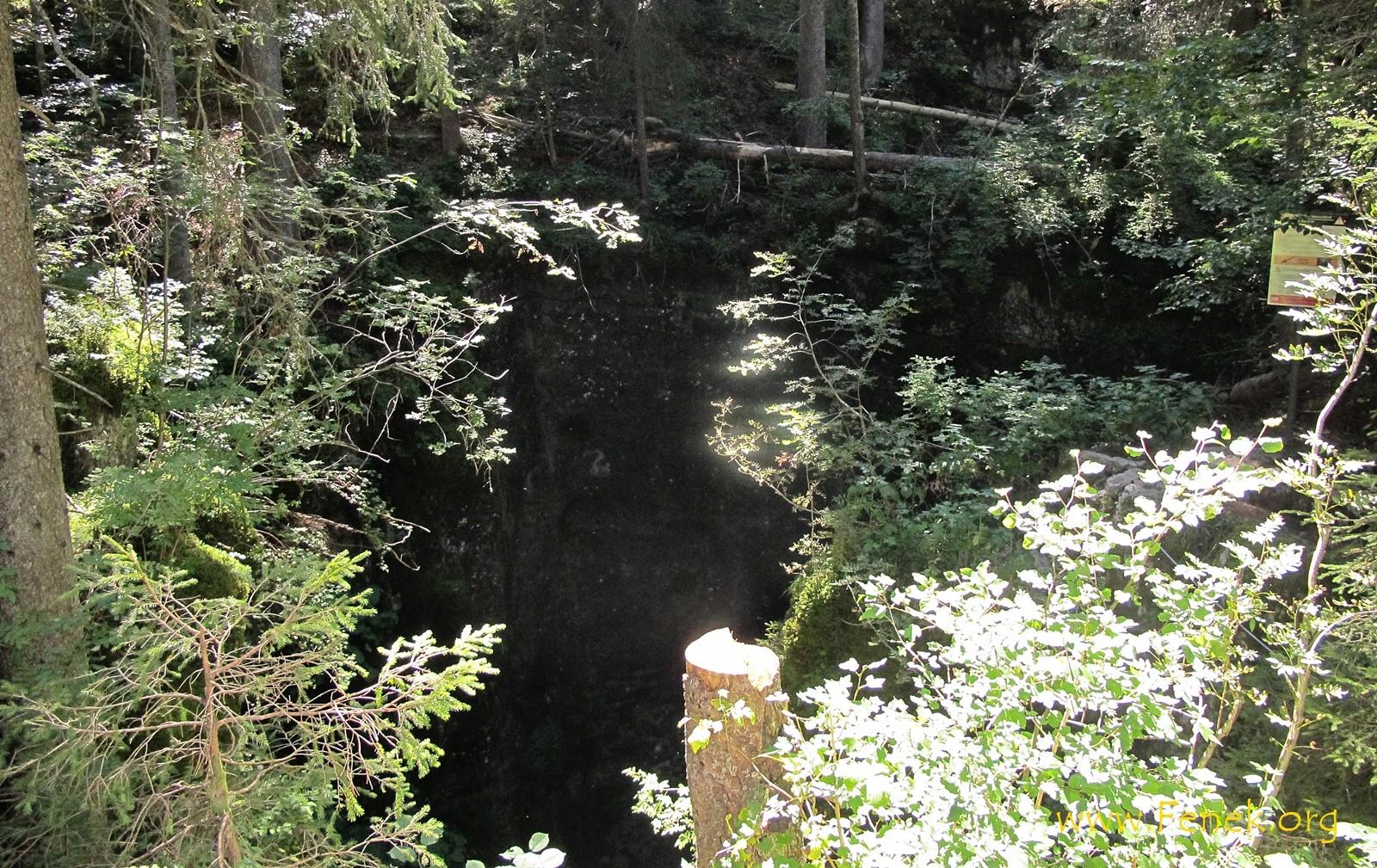 Eingang der Höhle