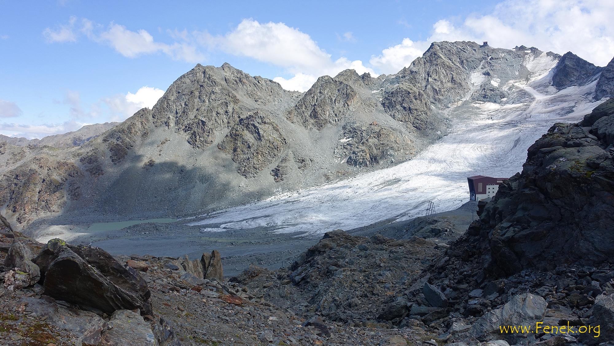 im Aufstieg zur Pointe de Cion ein Rückblick zum Bec des Etagnes