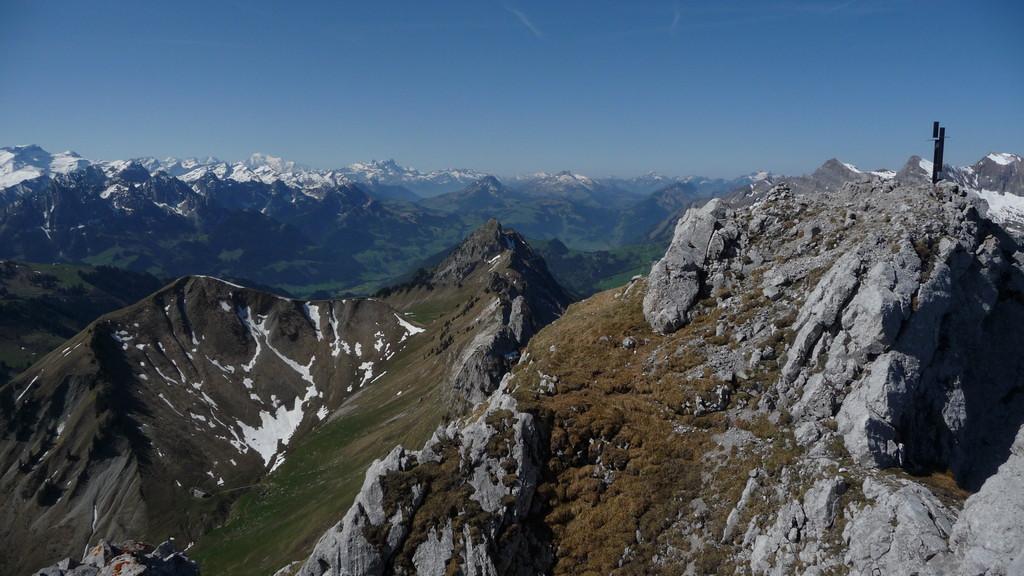 Blick nach Westen bis zum Mont Blanc