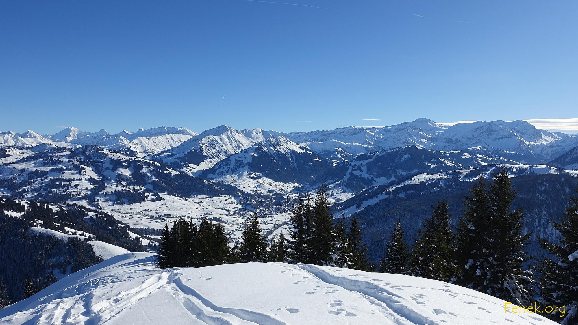 Blick vom Gipfel nach Gstaad