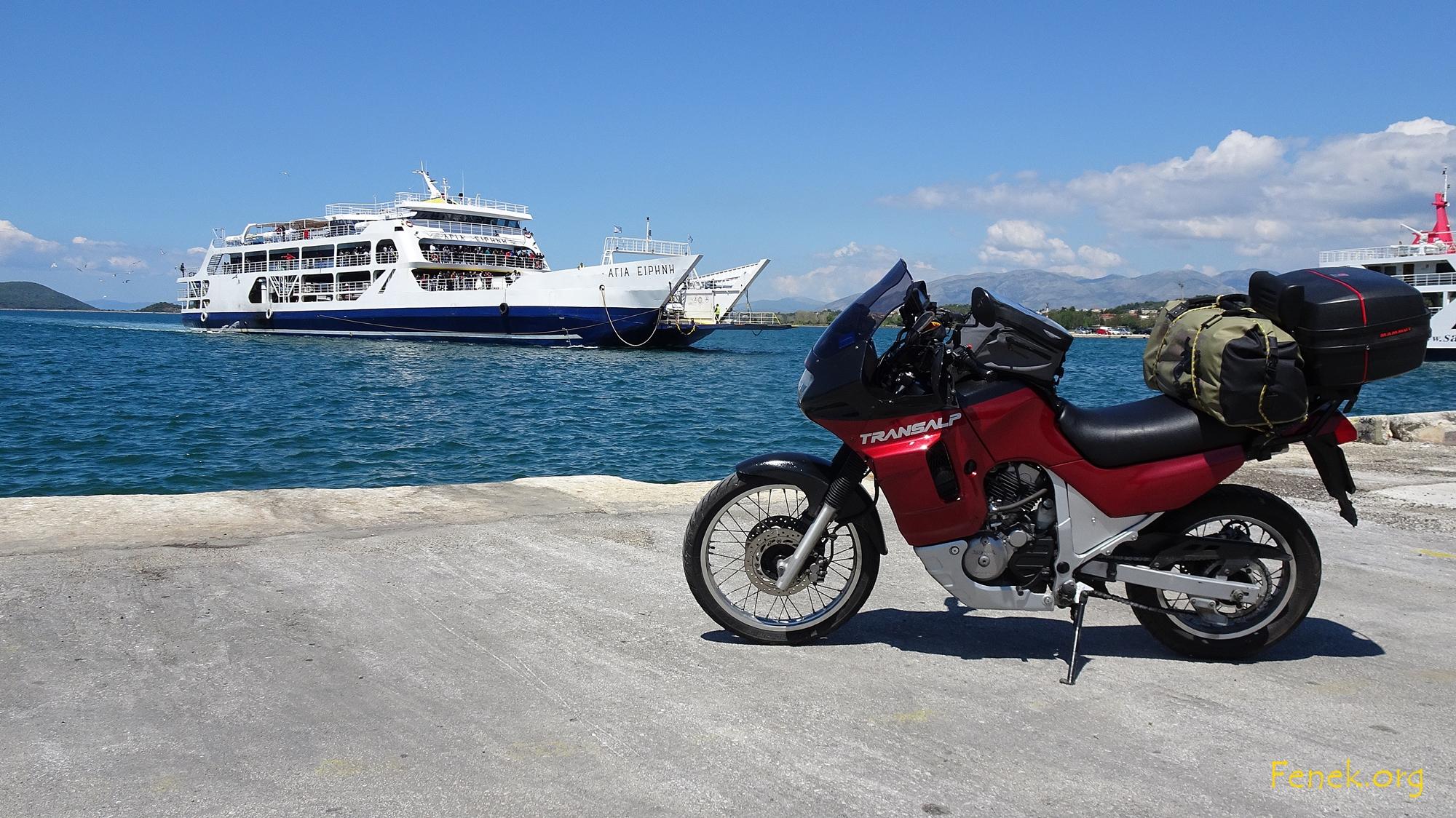 Igoumenitsa - Fähre nach Corfu