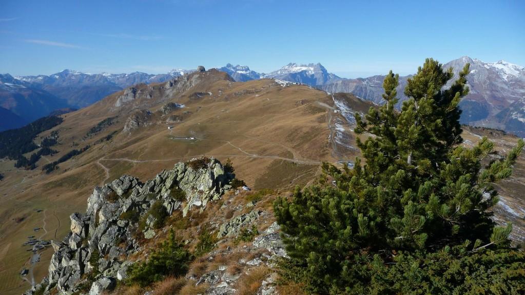 Rückblick über den Grat zum Pierre Avoi