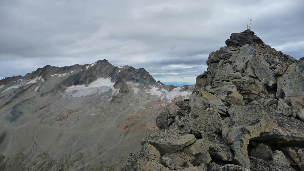Gipfel und im Hintergrund Portjengrat