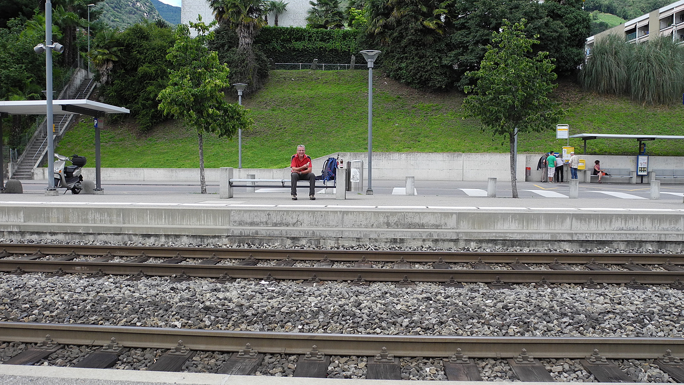 Ende der Tour am Bahnhof Tenero ;-))