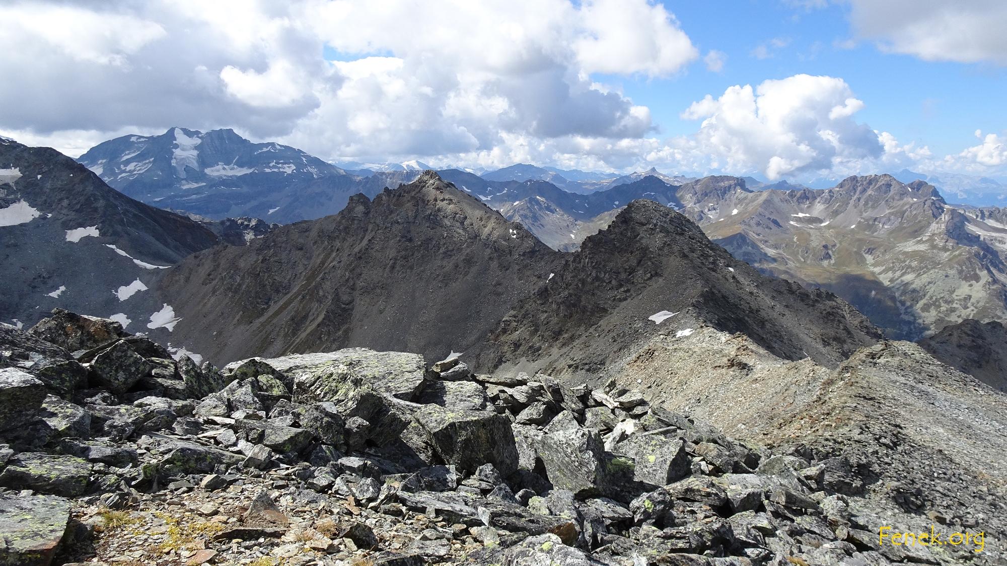 geschafft. Blick zurück zu Pt.3137 und Furggwanghorn