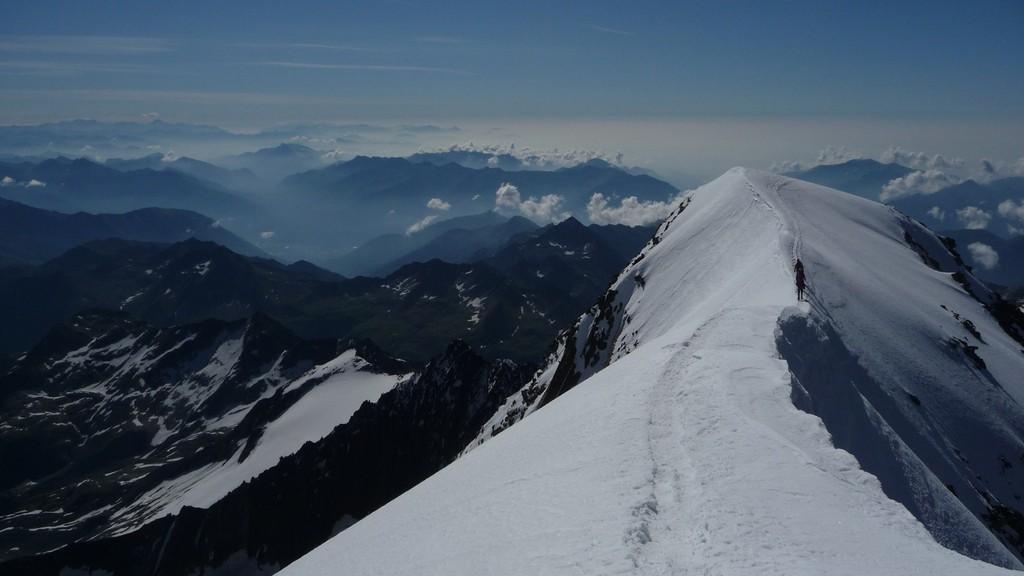 die letzten Meter über den Gipfelgrat