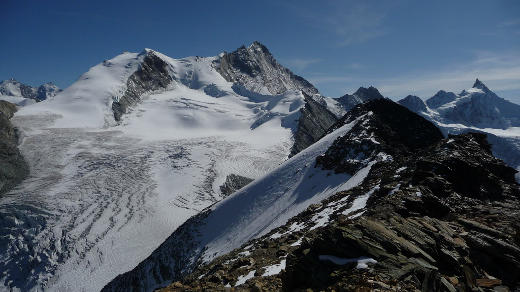 prächtige Sicht zu Bishorn und Weisshorn