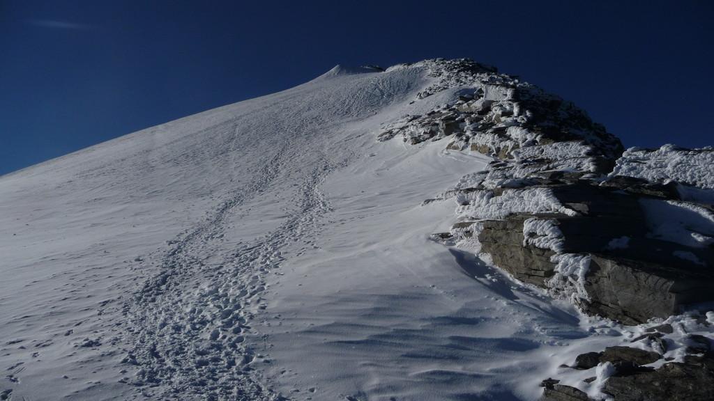 unterhalb vom Gipfel