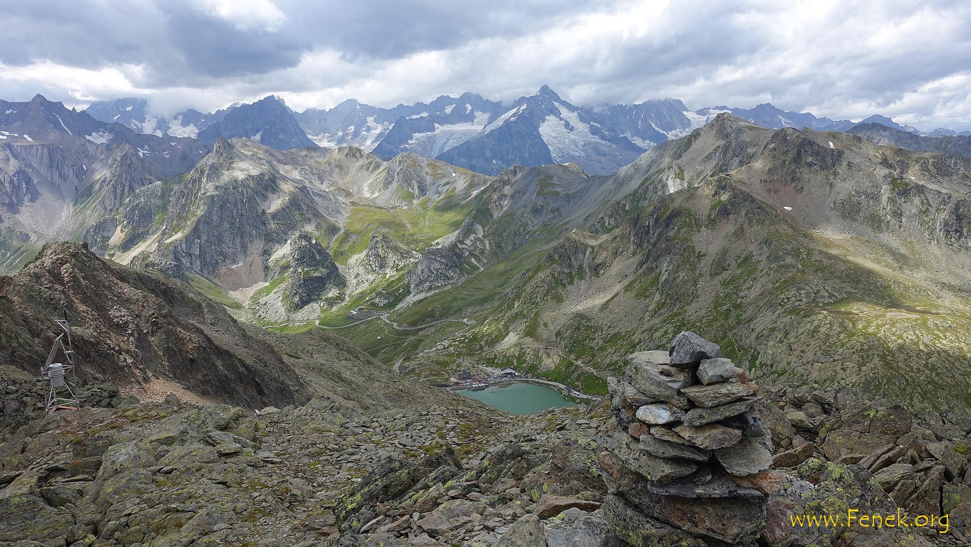 Mont Mort - Tiefblick zum Pass Gr St. Bernhard
