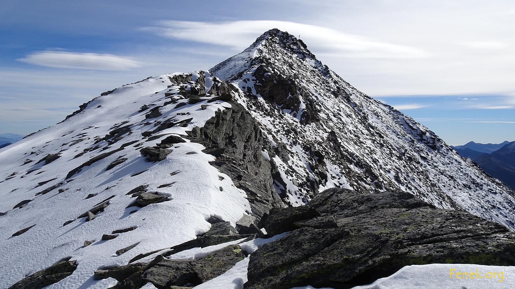 der Gipfel.... heute ohne Hilfsmittel für mich unerreichbar.... 80m haben gefehlt