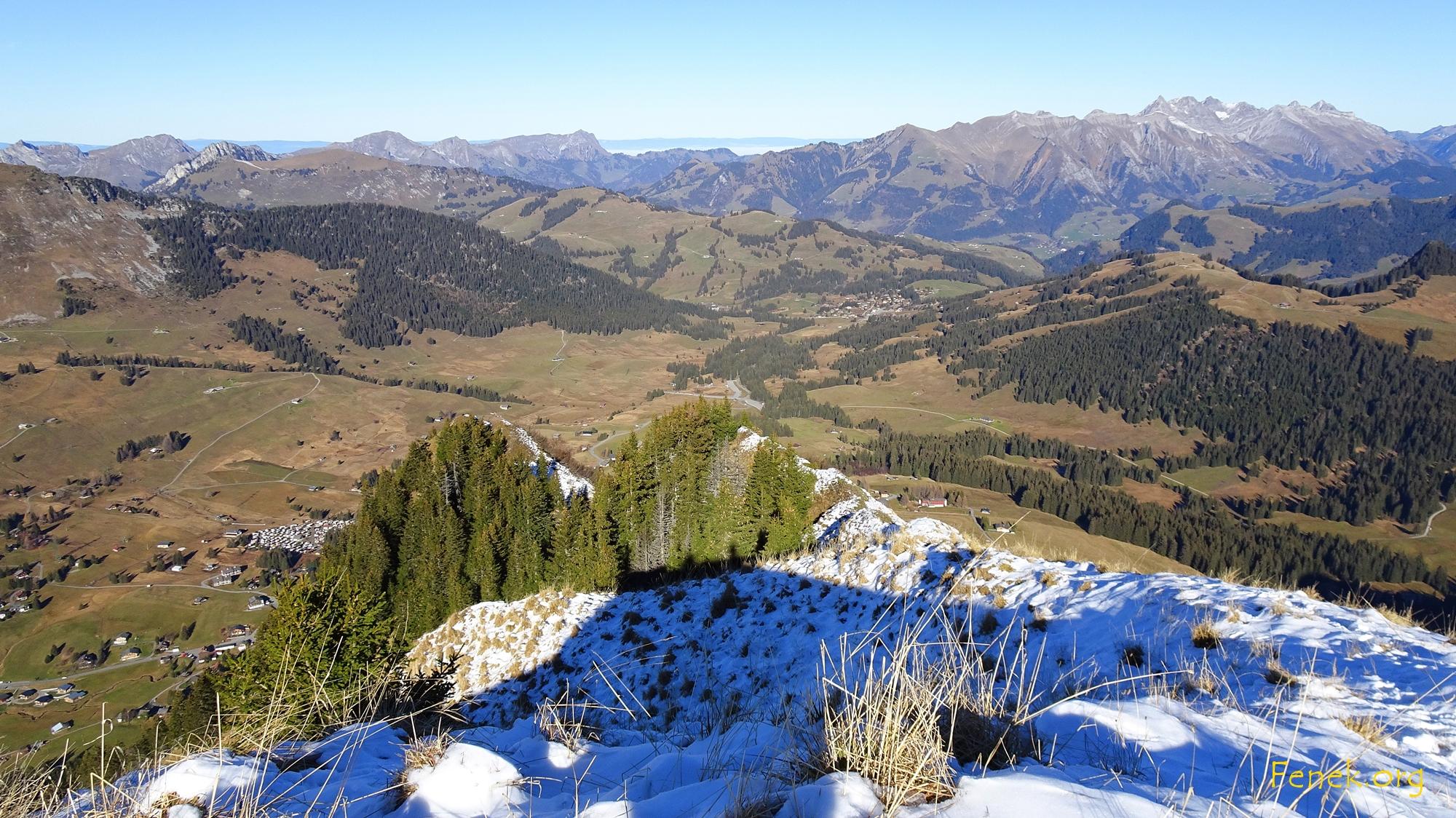 Aussicht von La Rionde zum Col des Mosses
