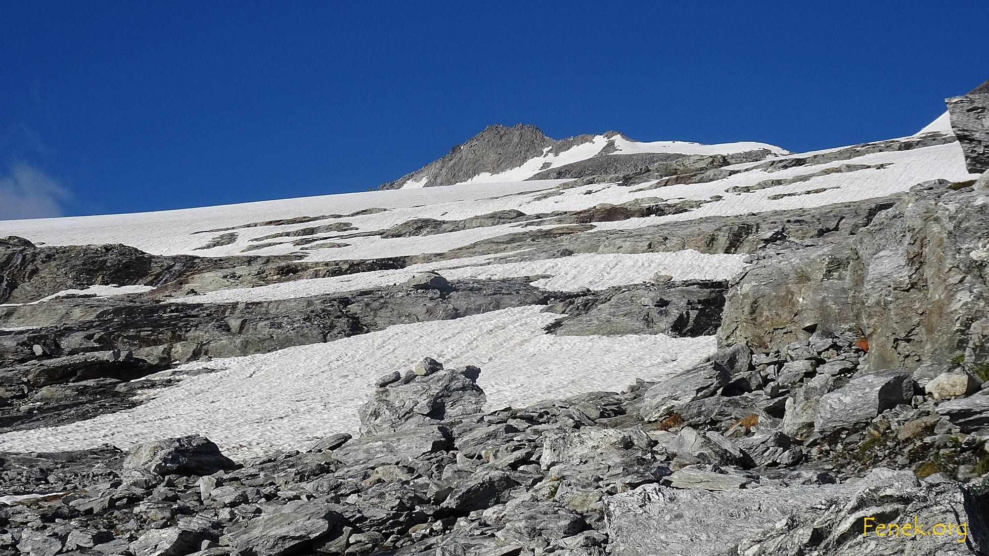 bei den Platten und Stufen - über uns der Gipfel