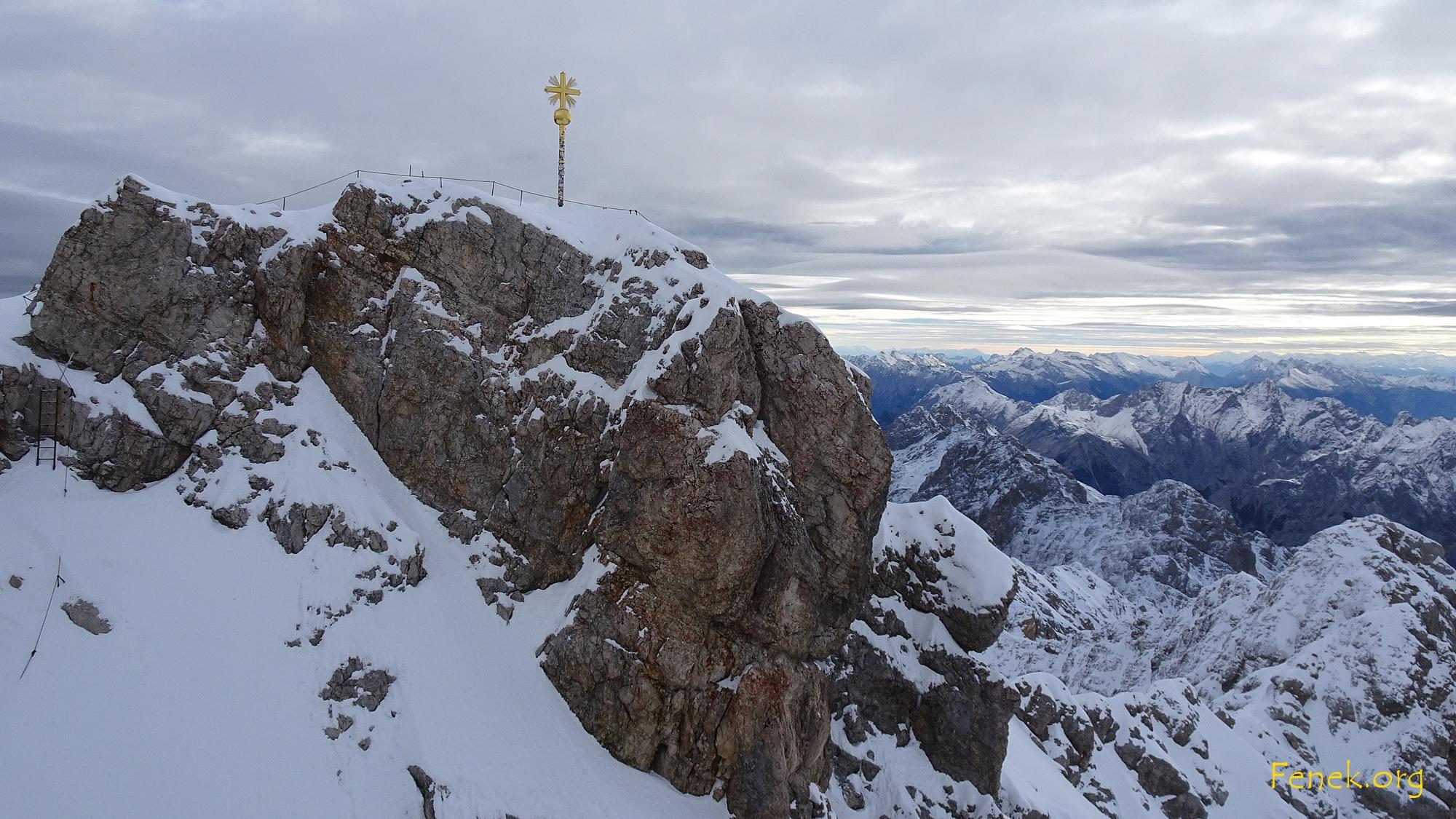 der Gipfel schon eingeschneit