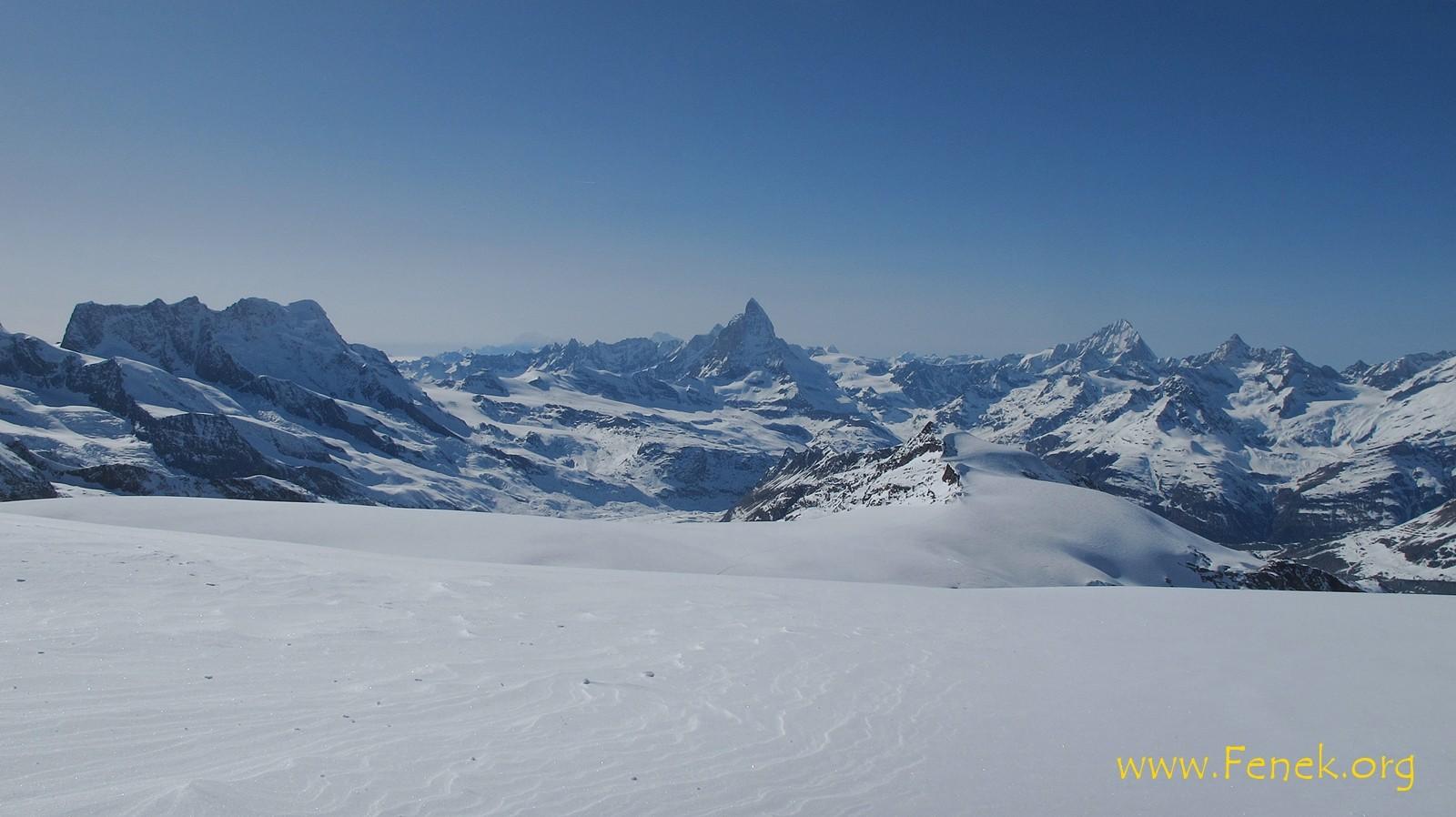 links Breithornmassiv - unverkennbar das Matterhorn