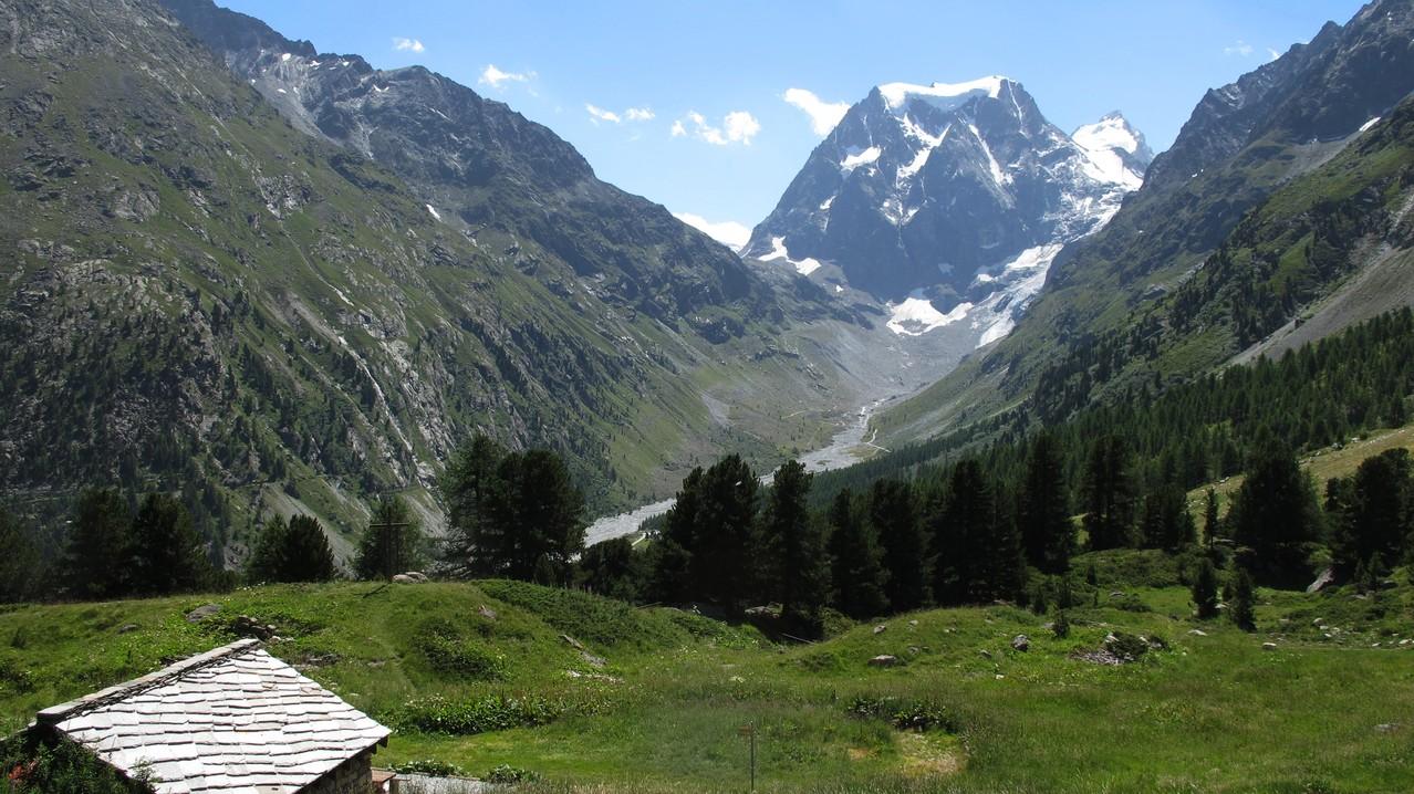 der Mont Collon schliesst das Tal....