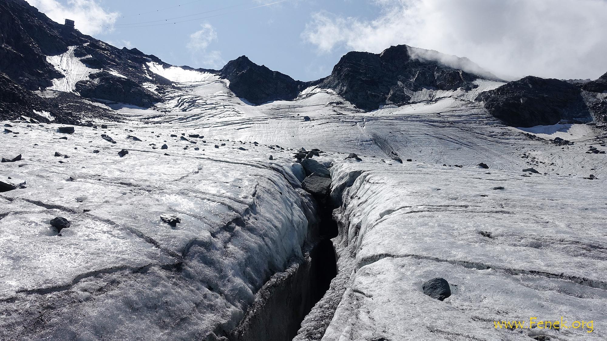 eine der wenigen Gletscherspalten