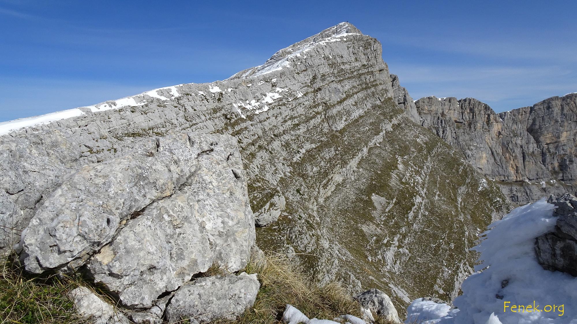 der kurze Grat zum Gipfel...