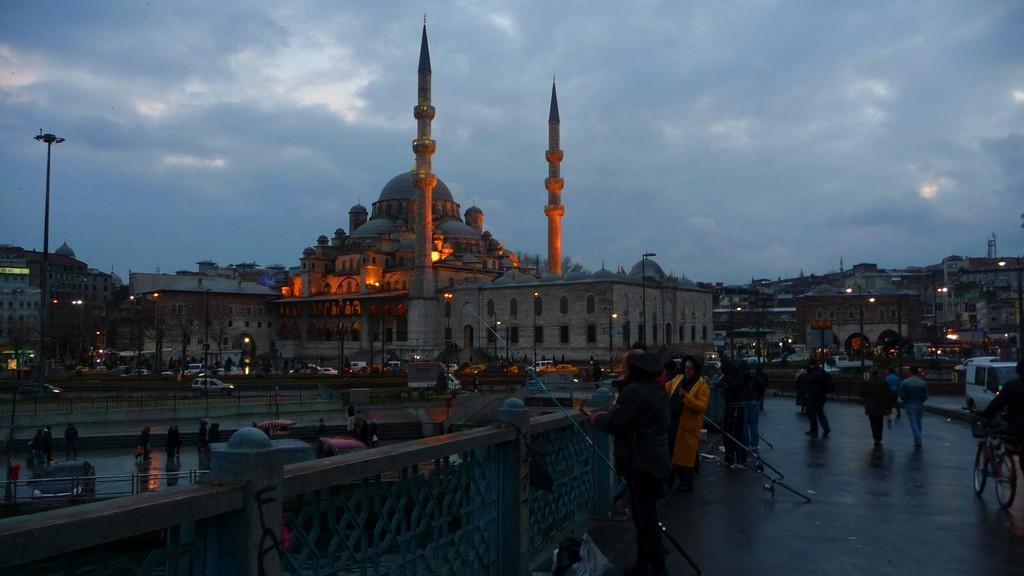 Moschee bei der Galata Brücke