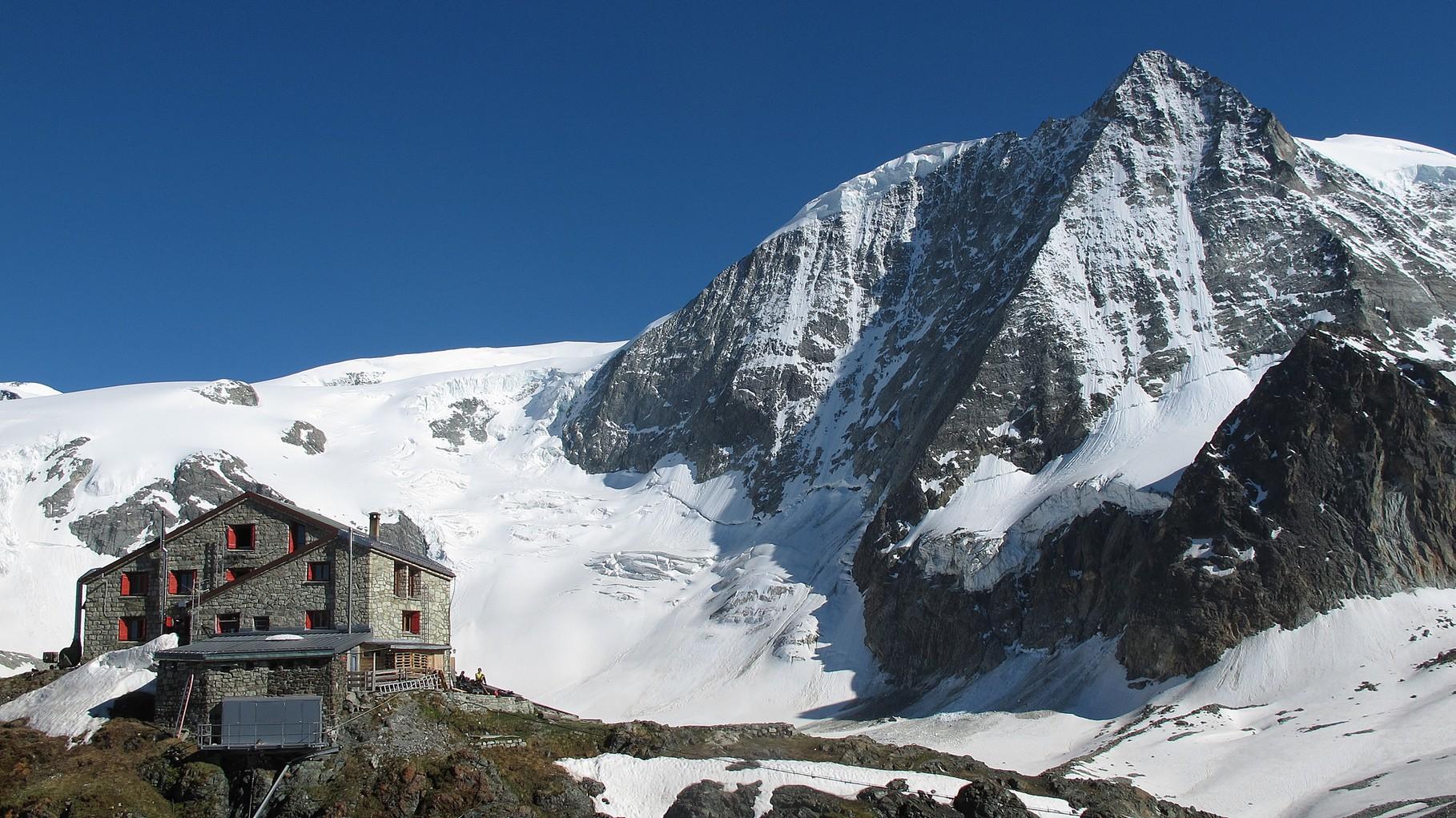 Cabane des Dix und Mont Blanc de Cheilon